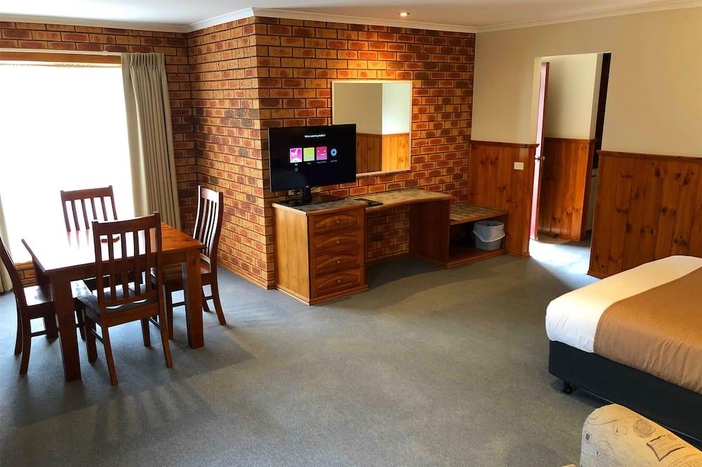Familien-Suite, 2Schlafzimmer, Whirlpool (Spa Family) - Wohnbereich