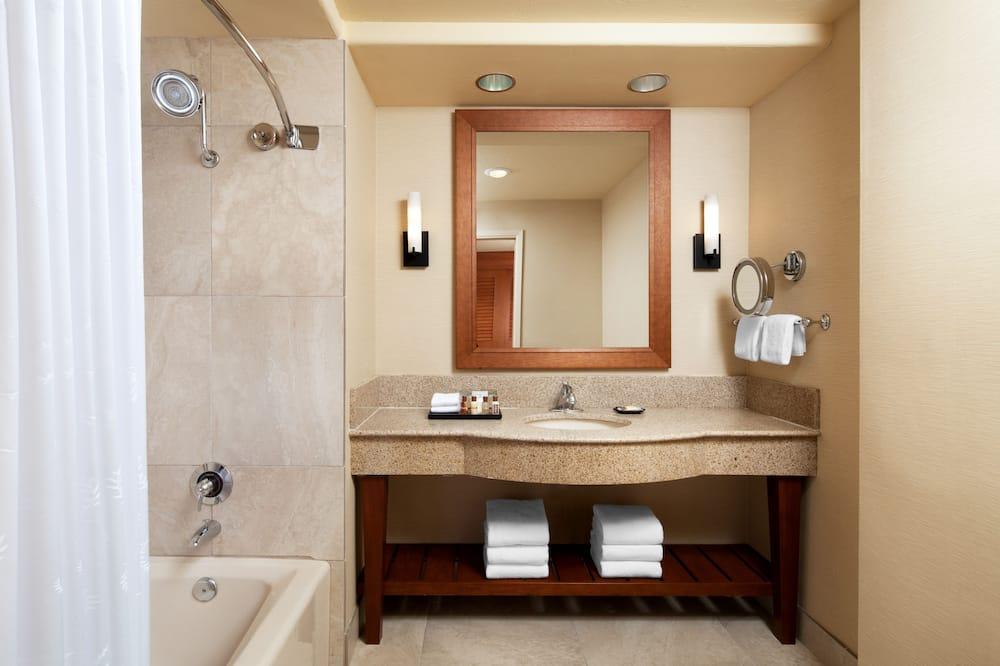 Δωμάτιο, 1 King Κρεβάτι με Καναπέ-Κρεβάτι, Πρόσβαση για Άτομα με Αναπηρία - Μπάνιο