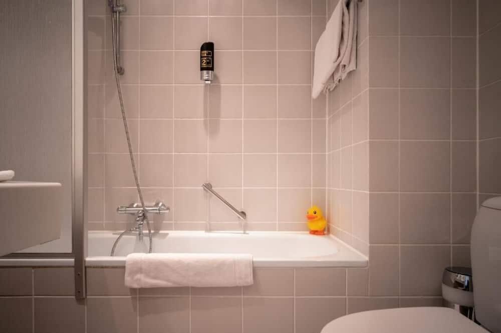 Superior-værelse - 2 enkeltsenge - udsigt til flod - Badeværelse