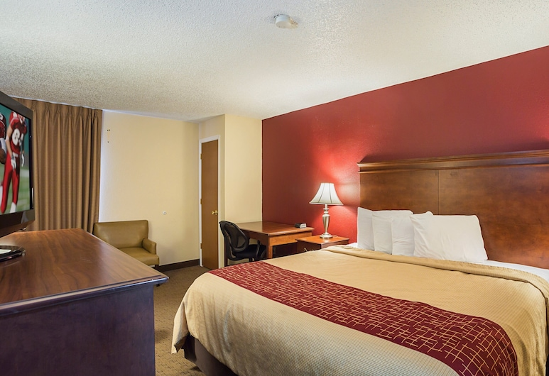 Red Roof Inn Nashville - Music City, Nashville, Standard Room, 1 King Bed with Sofa bed, Non Smoking, Guest Room