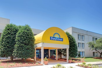 Fotografia hotela (Days Inn Newport News Near City Center at Oyster Point) v meste Newport News