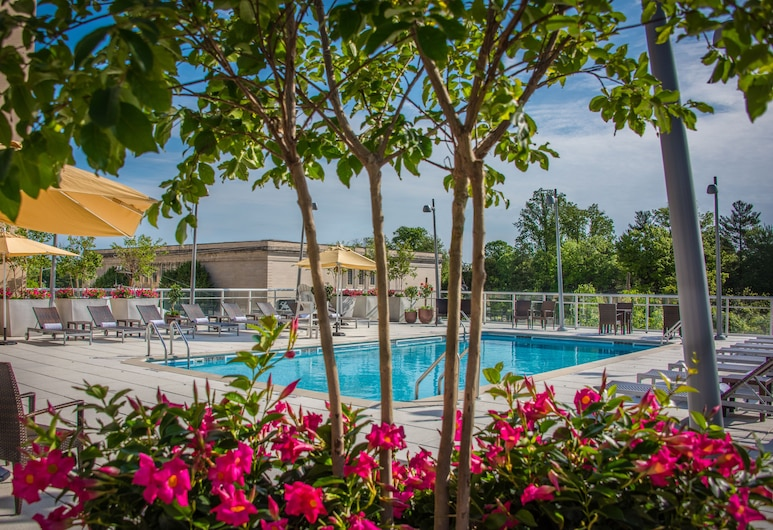 Courtyard by Marriott Bethesda/Chevy Chase, Chevy Chase, Pool