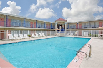 Picture of Days Inn by Wyndham Wilmington / University in Wilmington