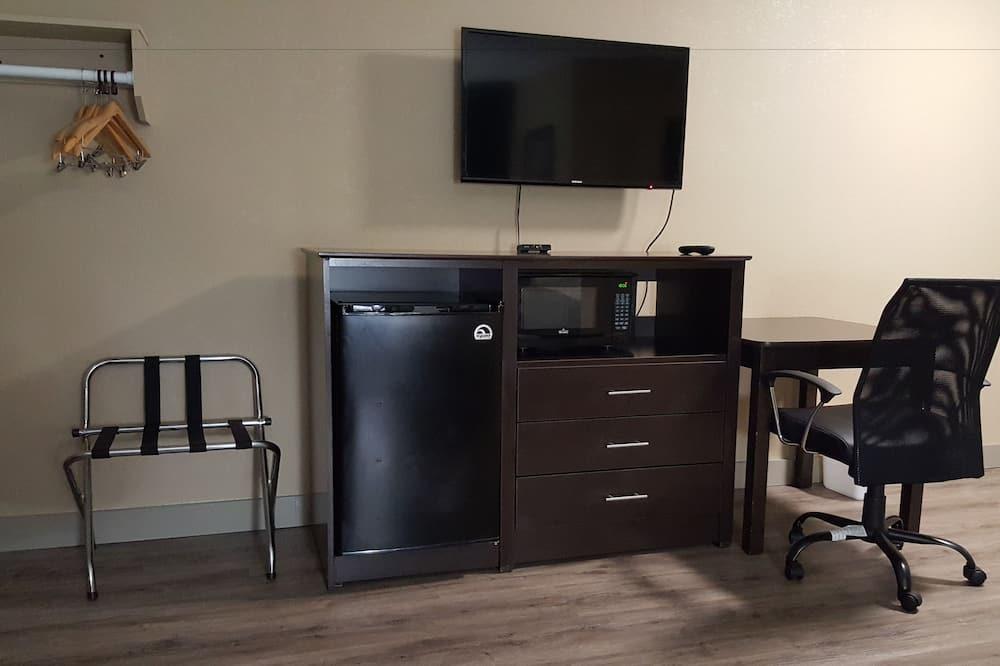 Tek Büyük Yataklı Oda, 2 Çift Kişilik Yatak, Sigara İçilebilir - Mini Buzdolabı