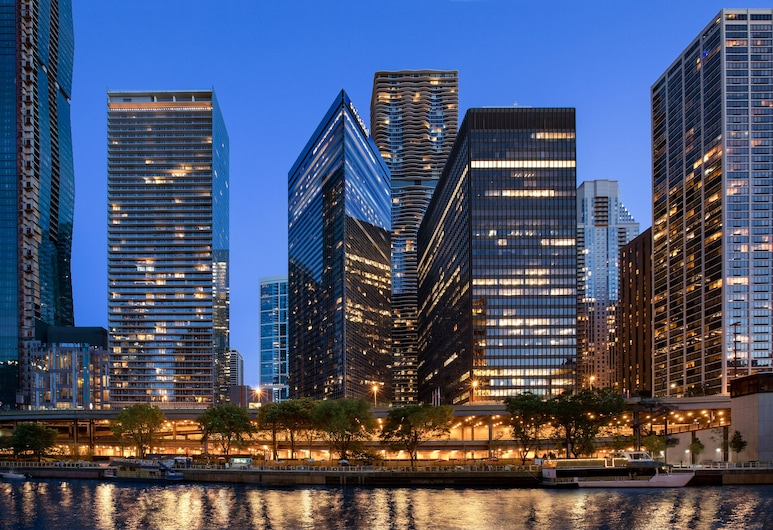 スイスホテル - シカゴ, シカゴ, ホテルのフロント - 夕方 / 夜間