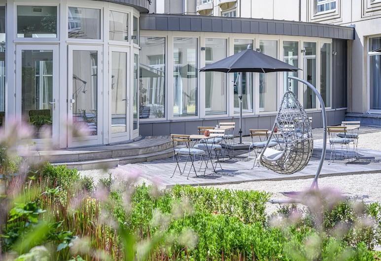 Hilton Garden Inn Brussels City Centre, Brussels, Terrace/Patio