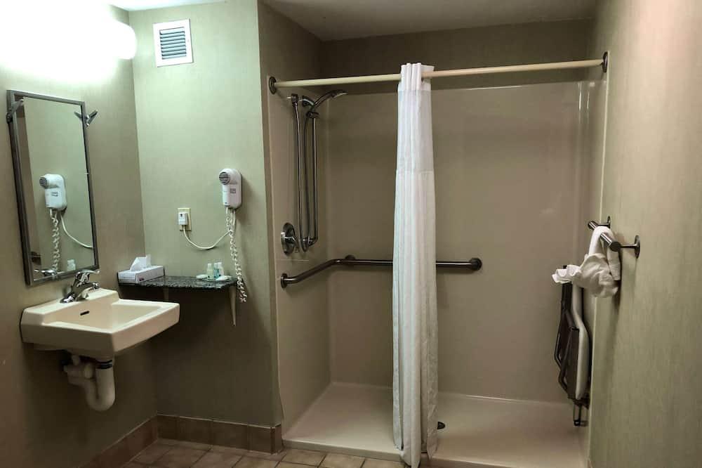 룸, 킹사이즈침대 1개, 장애인 지원, 금연 (Roll-In Shower) - 욕실