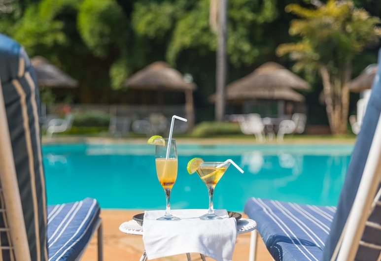 Sunbird Capital Hotel, Lilongwe, Pool