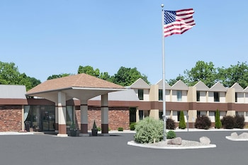 Picture of Days Inn by Wyndham Albion in Albion