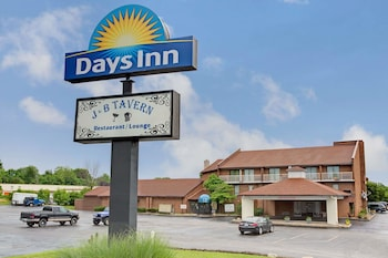 Picture of Days Inn by Wyndham Cincinnati East in Cincinnati