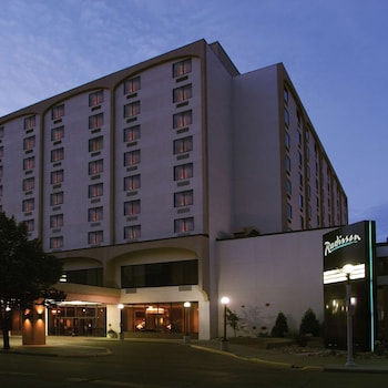 Bismarck — zdjęcie hotelu Radisson Hotel Bismarck