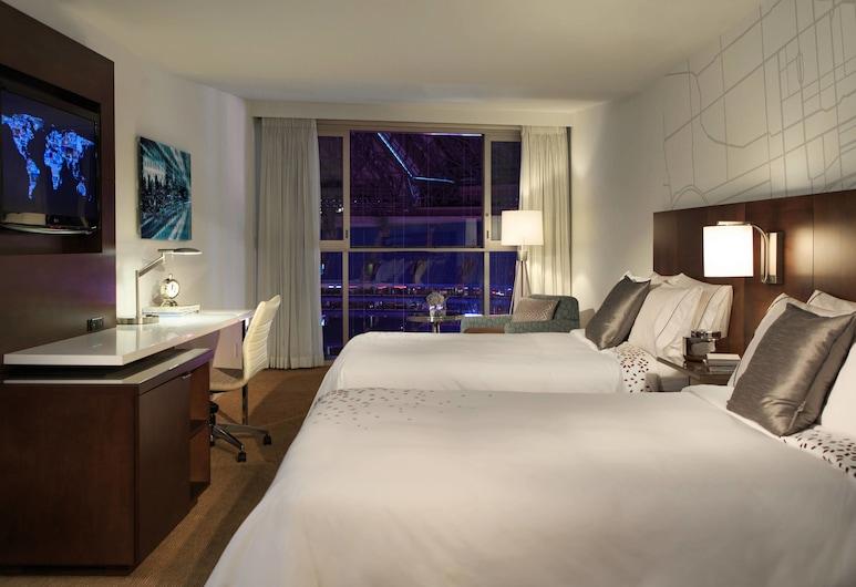 Toronto Marriott City Centre Hotel, Toronto, Room, 2 Double Beds, View, Guest Room