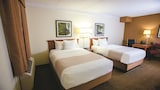 Choose This Business Hotel in Mobile -  - Online Room Reservations