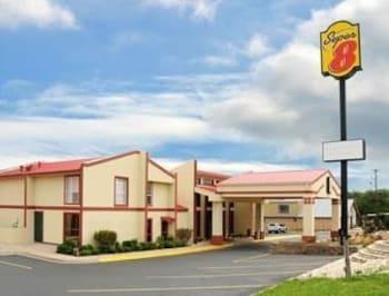 Picture of Super 8 Kerrville TX in Kerrville
