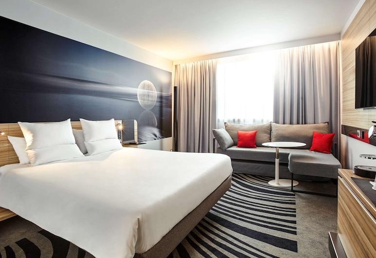 Novotel London Waterloo, London, Superior tvåbäddsrum - 1 queensize-säng med bäddsoffa (Twin convertible sofa), Gästrum