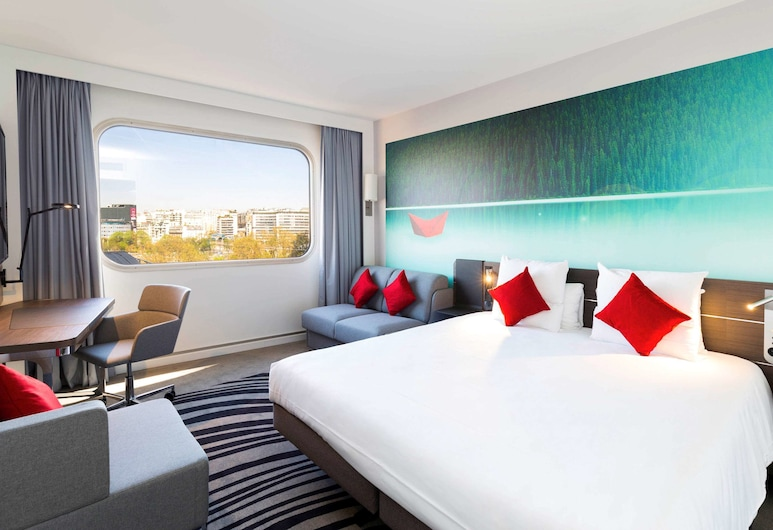 Novotel Paris Centre Tour Eiffel, Paris, Family Room, 1 Queen Bed with Sofa bed (Family), Guest Room