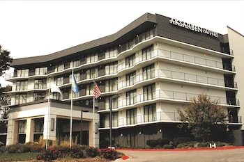 Picture of Aksarben Suites Trademark Collection by Wyndham in Omaha