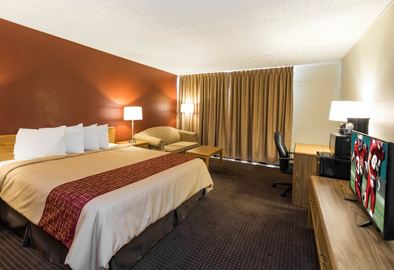 Red Roof Inn Williamsport, PA, Williamsport, Superior Room, 1 King Bed (Smoke Free), Guest Room