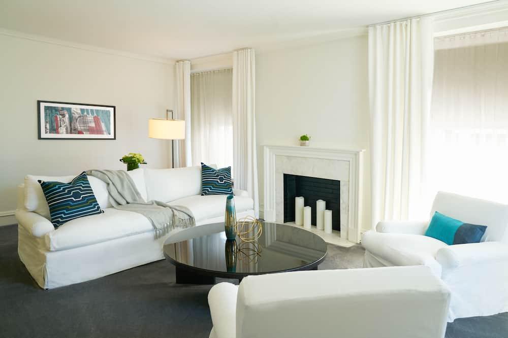 Deluxe Suite, 1 Bedroom - Hotel Entrance