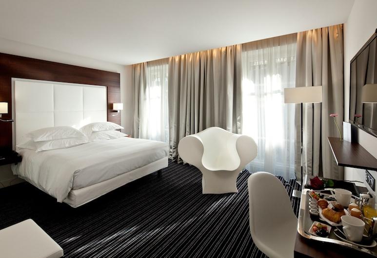 Le Grand Hotel Grenoble Centre, Grenoblis