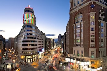 Enter your dates for our Madrid last minute prices