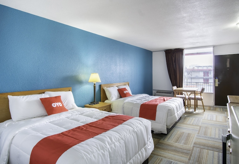 OYO Hotel Hutchinson KS West 4th Ave, Hutchinson, Room, 2 Double Beds, Smoking, Guest Room
