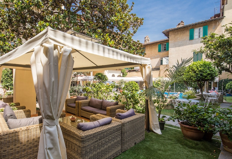 Croce Di Malta Hotel, Florence, Property Grounds