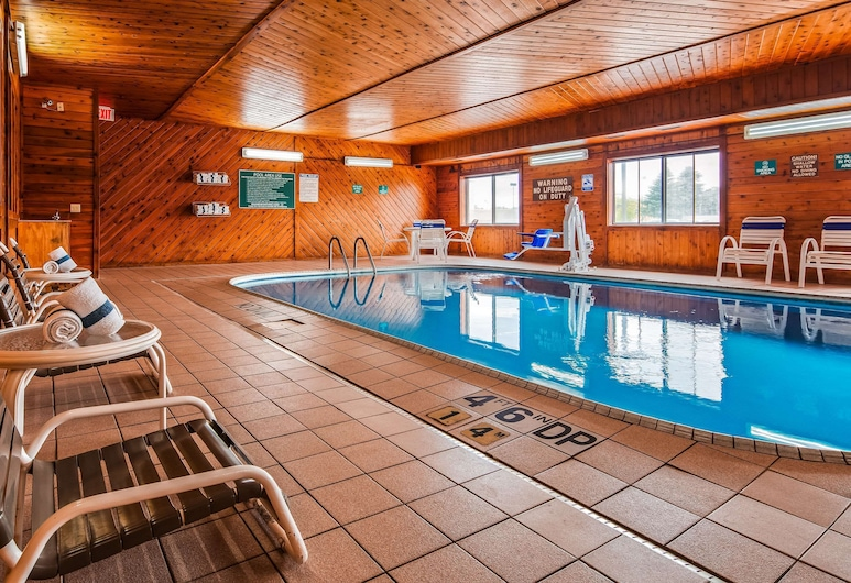 Quality Inn, Tomah, Pool