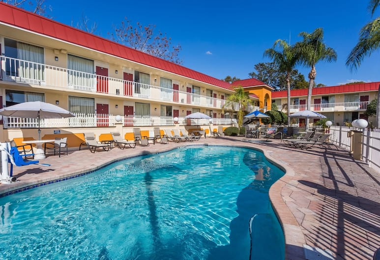 Days Inn & Suites by Wyndham Port Richey, Port Richey, Kolam Renang