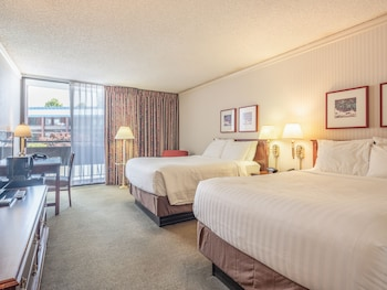 Gambar University Place Hotel & Conference Center di Portland