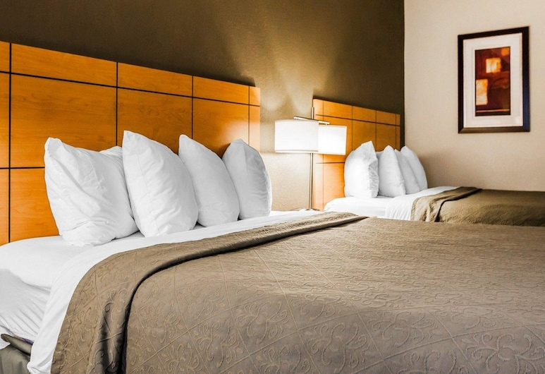 Quality Inn & Suites Des Moines Airport, Des Moines, Standard Room, 2 Queen Beds, Non Smoking, Guest Room