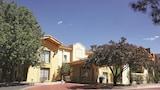 Choose This La Quinta Inn Hotel in Albuquerque - Online Room Reservations