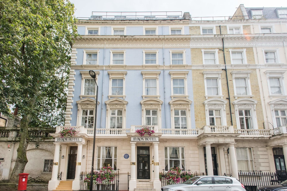 Byron Hotel London, London