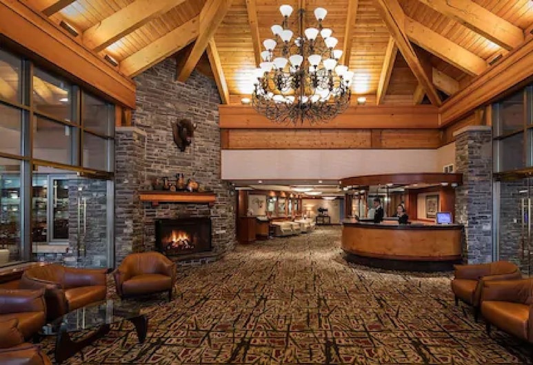 Royal Canadian Lodge, Banff, Lobby