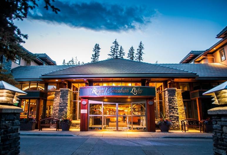 Royal Canadian Lodge, Banfas