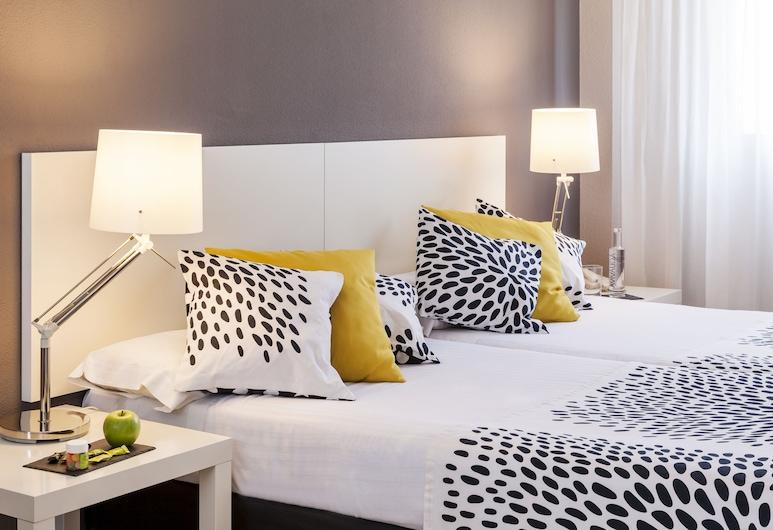 Esentia Togumar , Madrid, Büyük Yataklı Tek Kişilik Oda, Oda