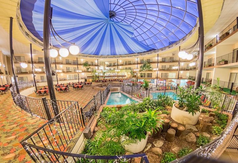 Holiday Inn Des Moines-Airport/Conf Center, an IHG Hotel, Des Moines, Sundlaug