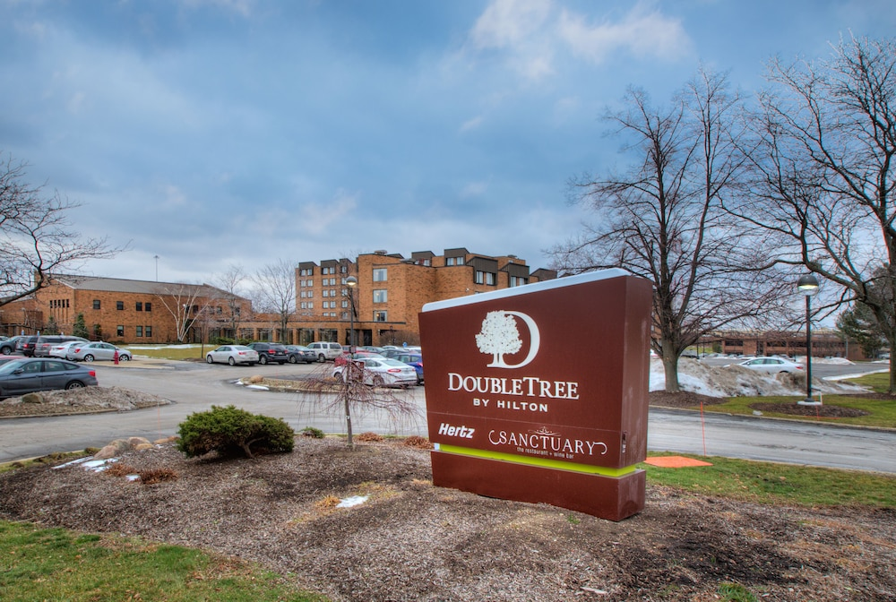 Book Doubletree By Hilton Cleveland East Beachwood In Hotels