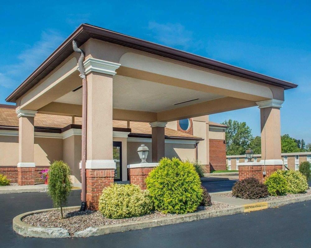 ny z of st tub comfort hot suites reservations comforter transit lockport south hotels inn