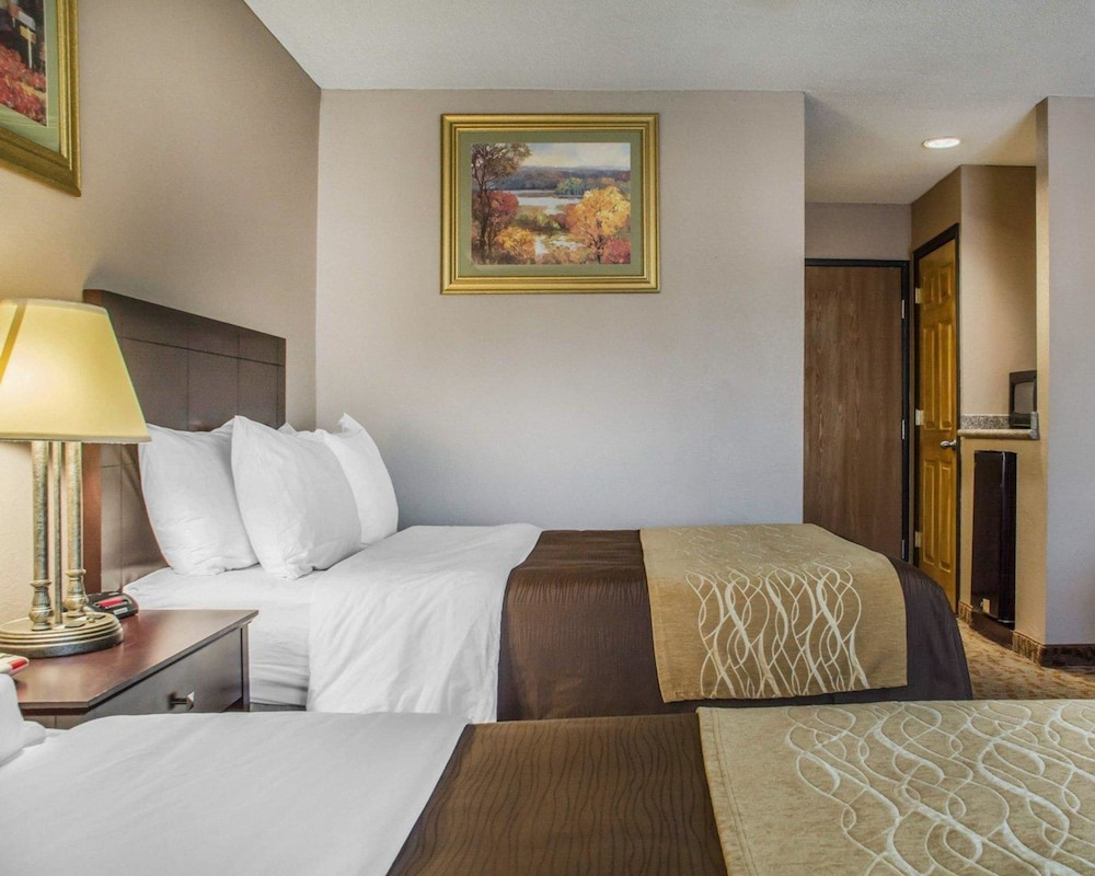 holiday york hospitality express comforter comfort cheektowaga new ny hienight lockport situation eastern inn portfolio