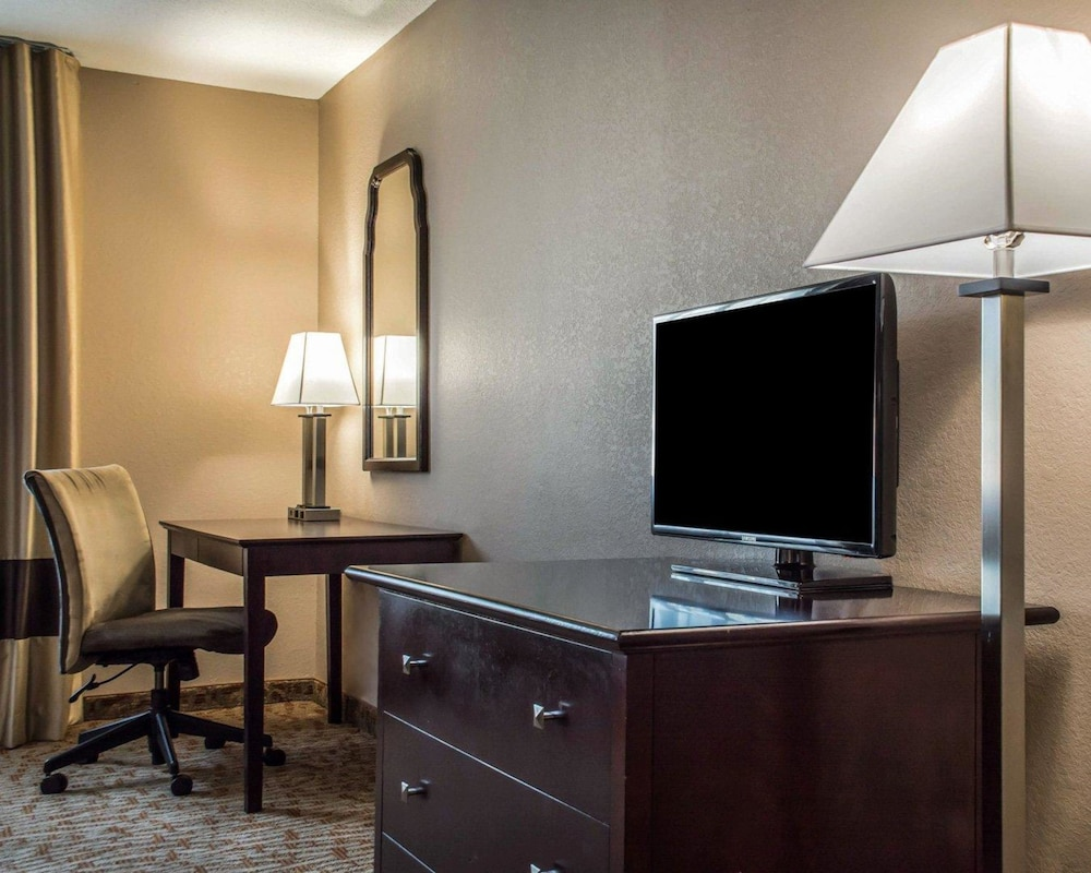 express york holiday cheektowaga lockport eastern comforter hospitality entry ny inn new portfolio comfort