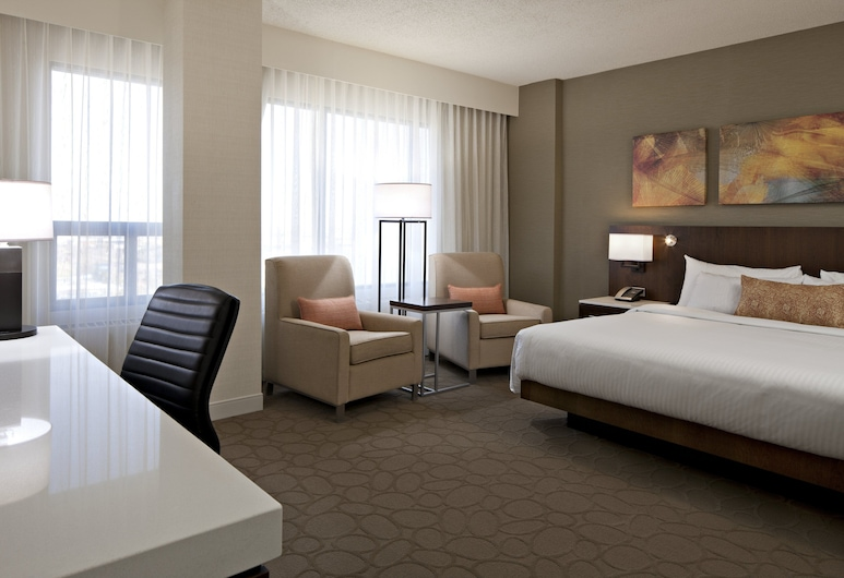Delta Hotels by Marriott Edmonton South Conference Centre, Edmonton, ModeDeluxe Room, 1 King, Sitting Area , Chambre