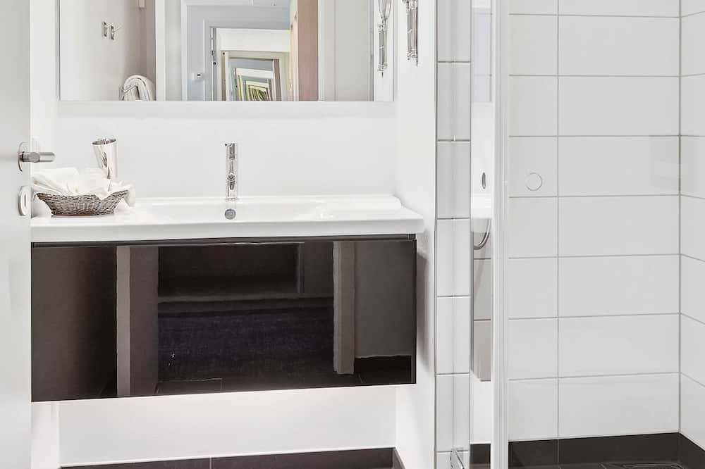 Standard-huone, 2 yhden hengen sänkyä, Tupakointi kielletty - Kylpyhuone