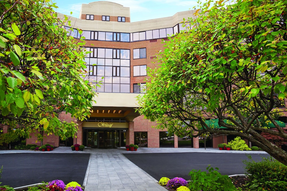 Woodcliff Hotel and Spa, Fairport
