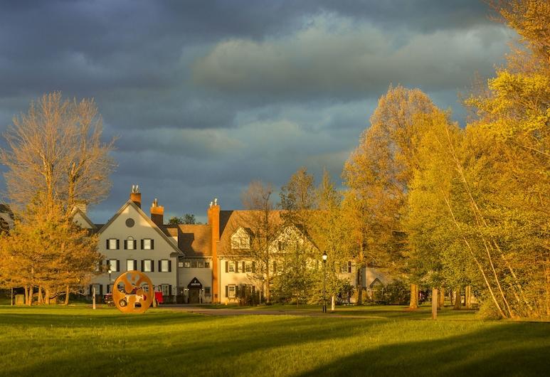 The Essex, Vermont's Culinary Resort & Spa, Essex Junction, Pročelje hotela