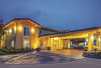Picture of La Quinta Inn by Wyndham Moline Airport in Moline