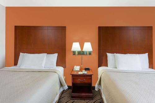 戴爾斯堡溫德姆戴斯酒店/