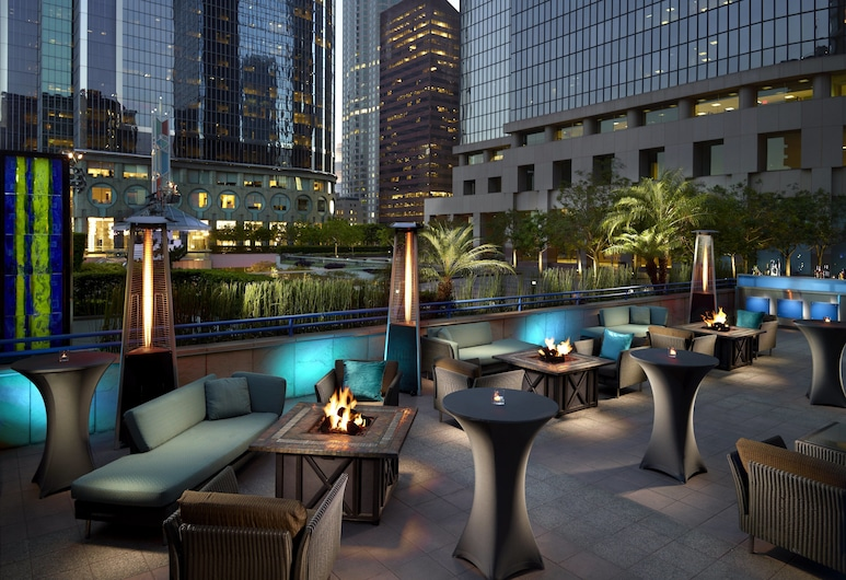 Omni Los Angeles Hotel at California Plaza, Los Angeles, Bar dell'hotel