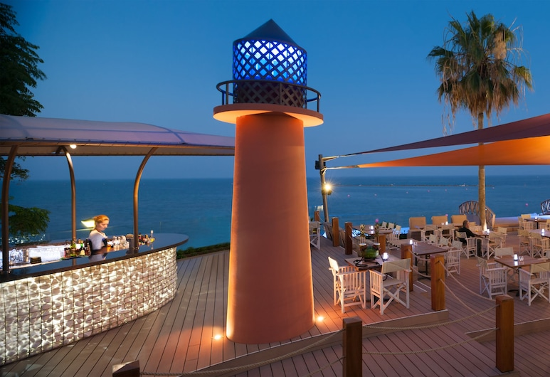 利馬索爾阿馬圖斯海灘飯店, 利馬索, 飯店內酒吧