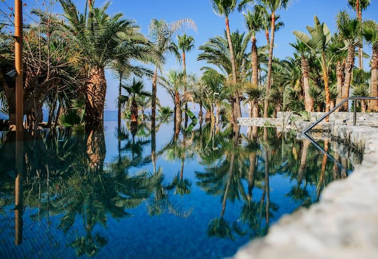 أماثوس بيتش هوتل ليماسول, ليماسول, حمام سباحة